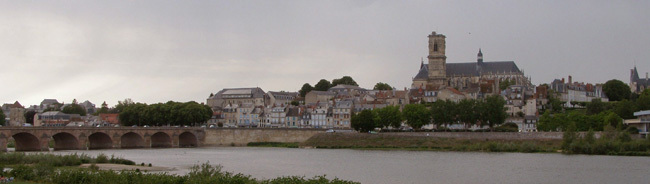 Nevers - Photo de Loïc Corbasson (Wikipédia)